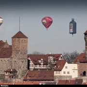 Heißluftballons über der Kaiserburg in Nürnberg