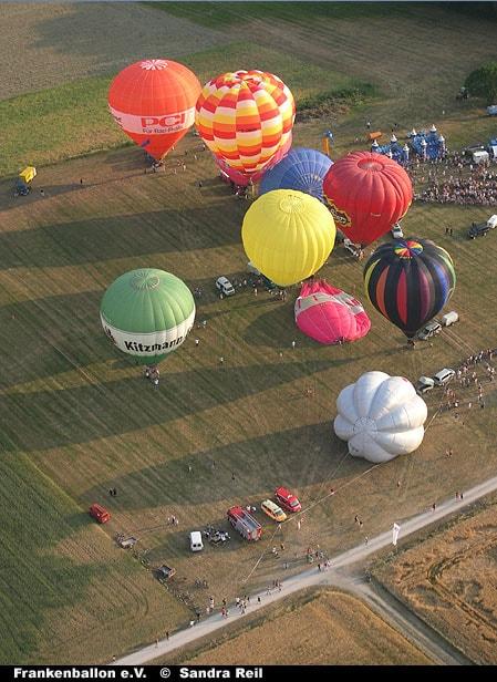 Start der Ballone beim Hannberger Ballonmeeting
