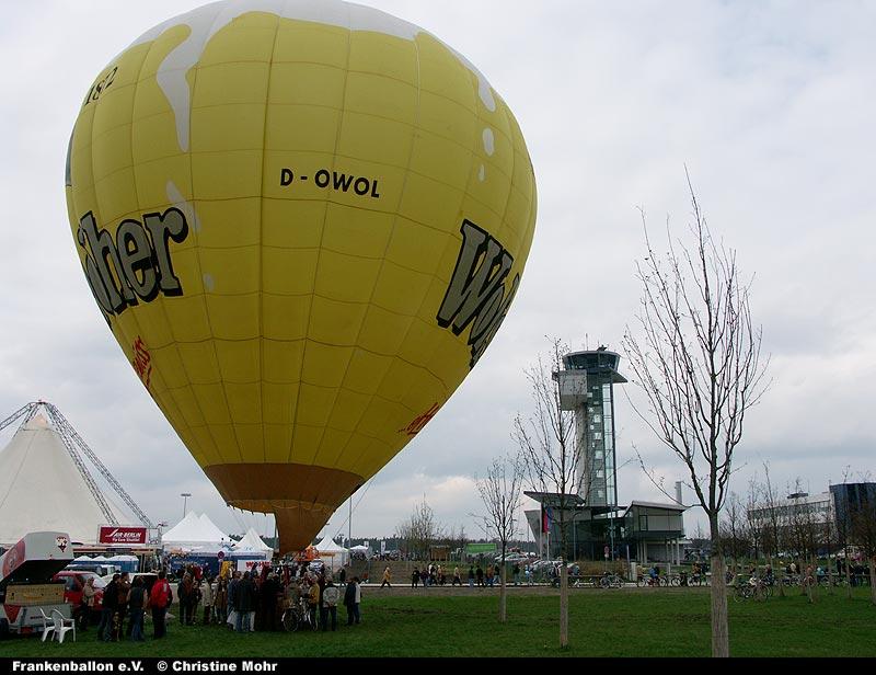 Wolfshöher-Ballon beim Flughafenfest