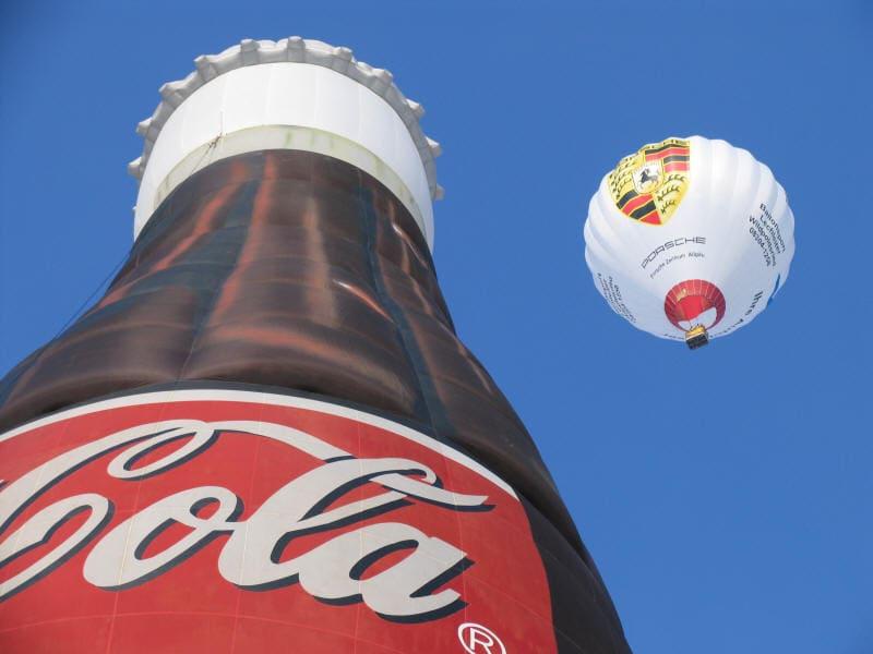 Cola-Ballon und Porsche-Ballon