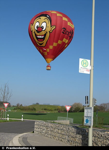 Wecki-Ballon in der Luft