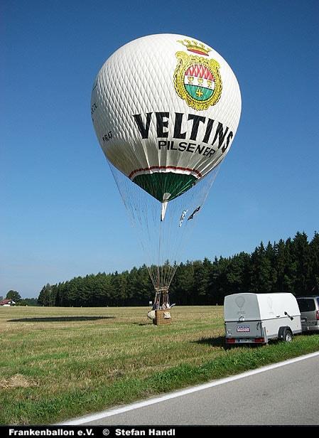 Veltins-Gasballon beim Start